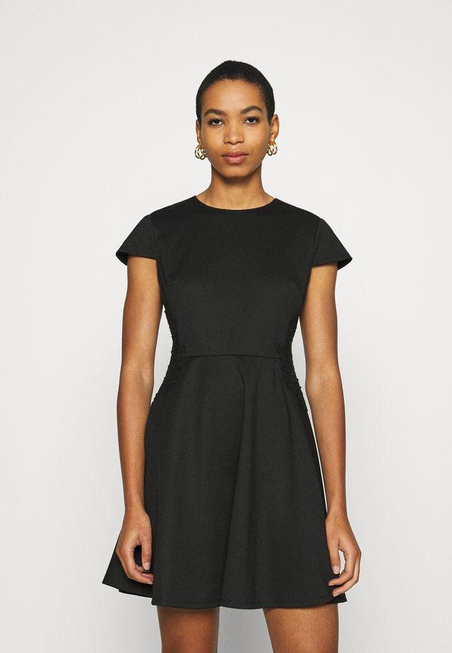GIJI - Cocktailkleid/festliches Kleid - black