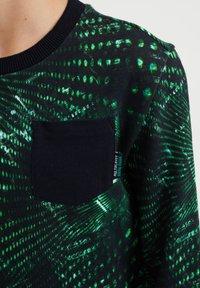WE Fashion - MET DESSIN - Felpa - green - 2