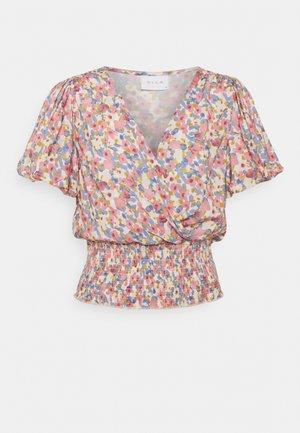 VIMANIRA SMOCK - T-shirts med print - misty rose