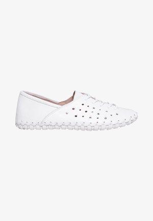 Zapatos con cordones - white