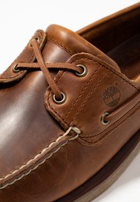 Timberland - CLASSIC 2 EYE - Boat shoes - medium brown - 5
