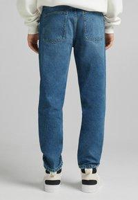 Bershka - STRAIGHT VINTAGE - Relaxed fit jeans - dark blue - 2