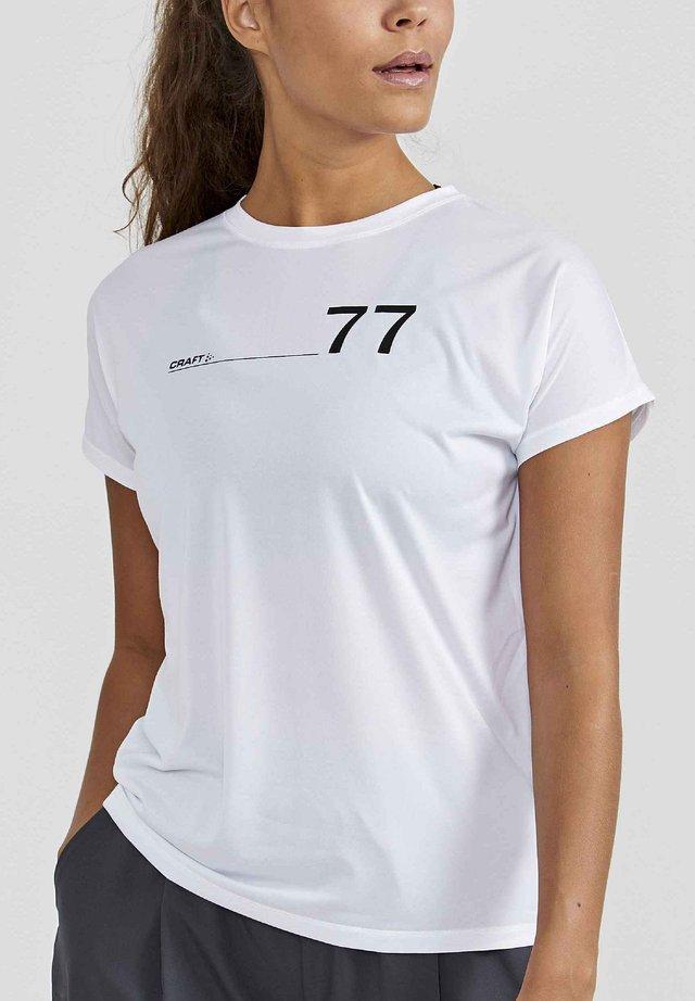 ADV CHARGE TEE - Print T-shirt - white