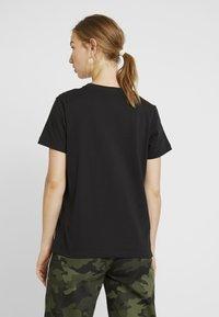 Champion Reverse Weave - SMAL SCRIPT CREWNECK  - Print T-shirt - black - 2
