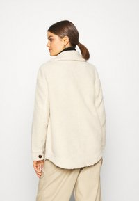 Vero Moda - VMZAPPA JACKET - Winter jacket - oatmeal - 2