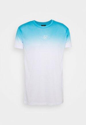 HIGH FADE TEE - Print T-shirt - teal/white