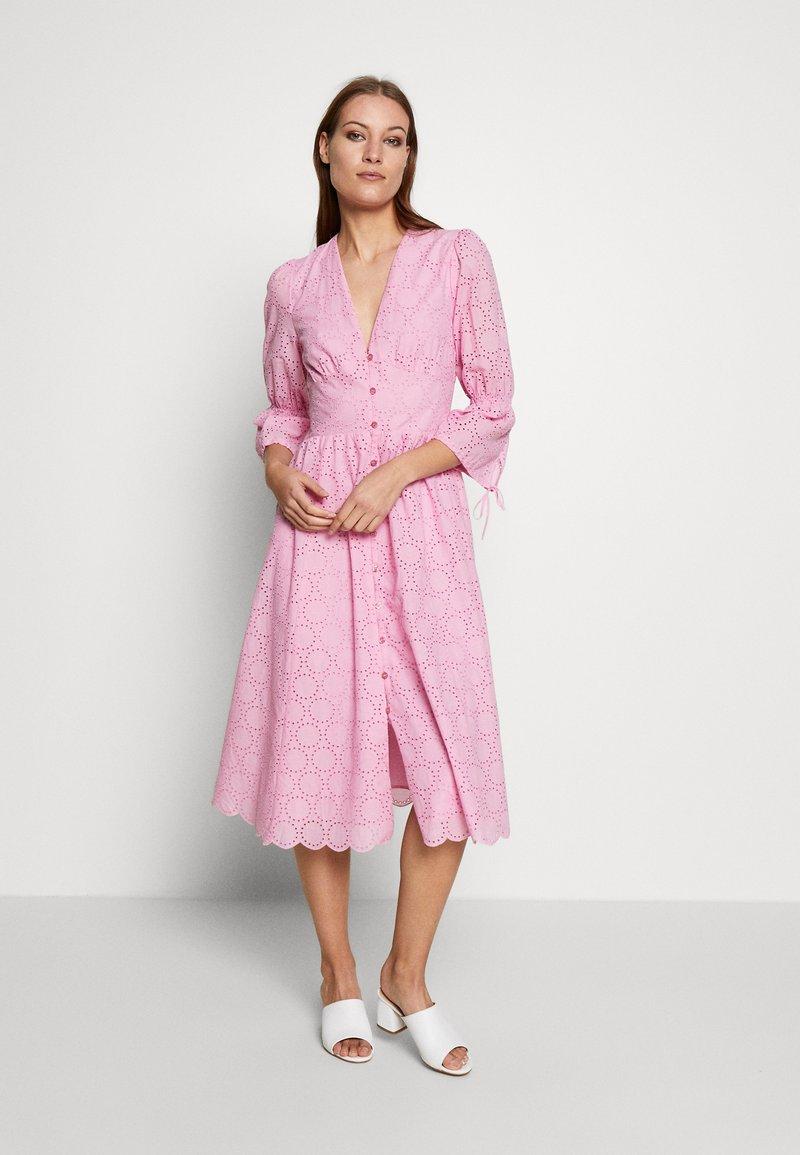 IVY & OAK - BROIDERY ANGLAISE DRESS - Day dress - blush