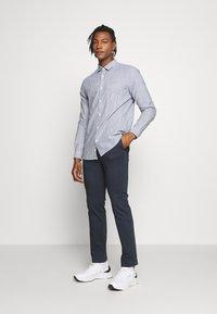 CLOSED - BASIC SHIRT - Shirt - fading indigo - 1