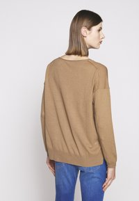 CLOSED - WOMEN´S - Jumper - golden oak - 2
