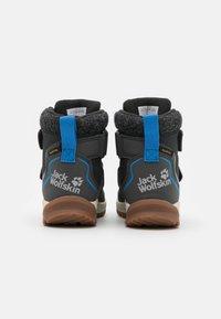 Jack Wolfskin - POLAR BEAR TEXAPORE MID UNISEX - Zimní obuv - phantom/blue - 2