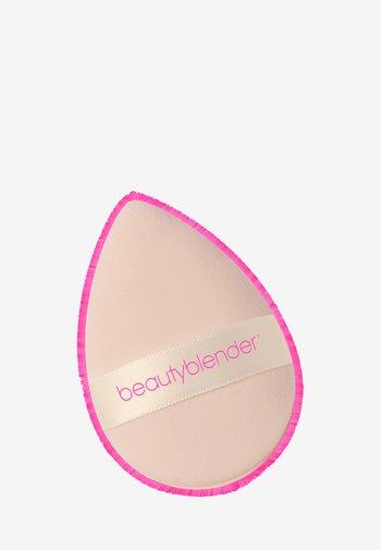 POWER POCKET PUFF - Makeup sponges & blenders - -