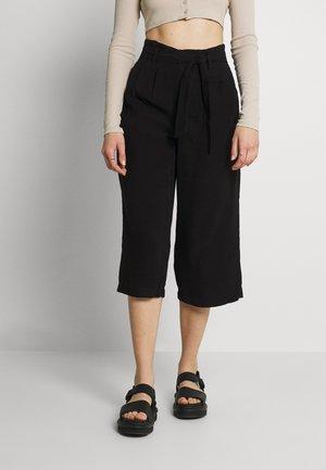 ONLAMINTA ARIS LIFE CULOT - Shorts - black