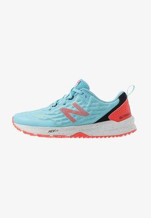 WTNTRCS3 - Běžecké boty do terénu - blue