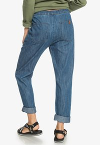 Roxy - MIT RELAXED FIT  - Relaxed fit jeans - medium blue - 2