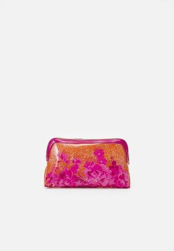 ELAA - Wash bag - pink