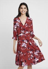 Vero Moda - VMREEDA V NECK DRESS - Day dress - cowhide - 0