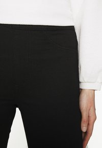 Marks & Spencer London - Jeggings - black denim - 3