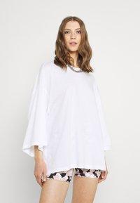 Monki - BILLA TEE - Basic T-shirt - white light - 0