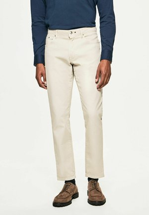 DYE TEXTURE - Trousers - chino