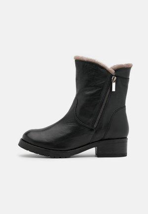 SOLAR - Kotníkové boty - black