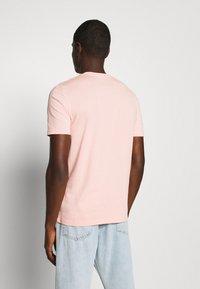 YOURTURN - UNISEX - Print T-shirt - pink - 2