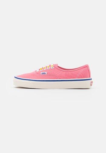 ANAHEIM AUTHENTIC 44 DX UNISEX - Sneakersy niskie - pink