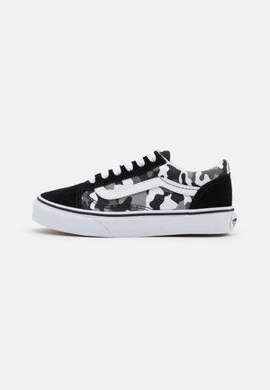 UY OLD SKOOL - Zapatillas - black/true white