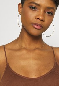 BDG Urban Outfitters - BUNGEE STRAP BODY THONG SNAP - Toppi - brunette - 3