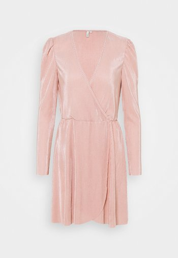 ALL I NEED PLEAT DRESS - Cocktailklänning - dusty pink