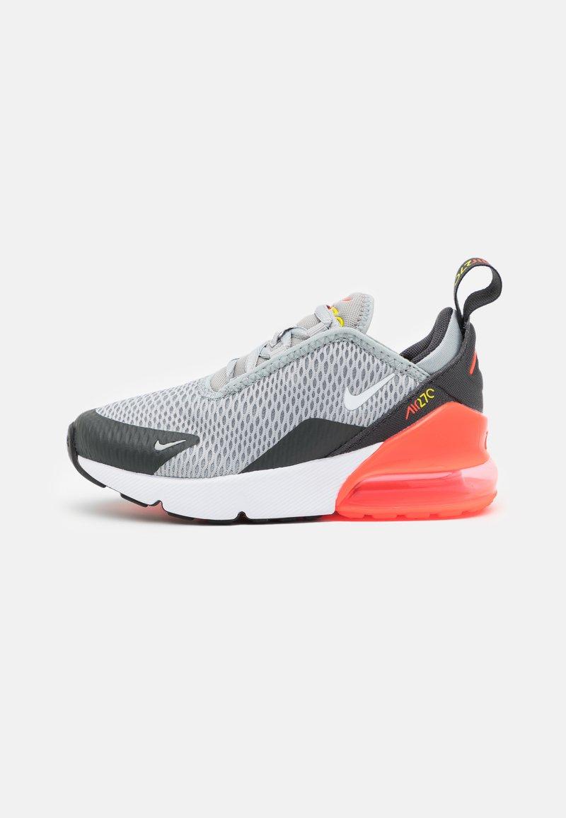 Nike Sportswear - AIR MAX 270 UNISEX - Sneakers laag - light smoke grey/white/dark smoke grey