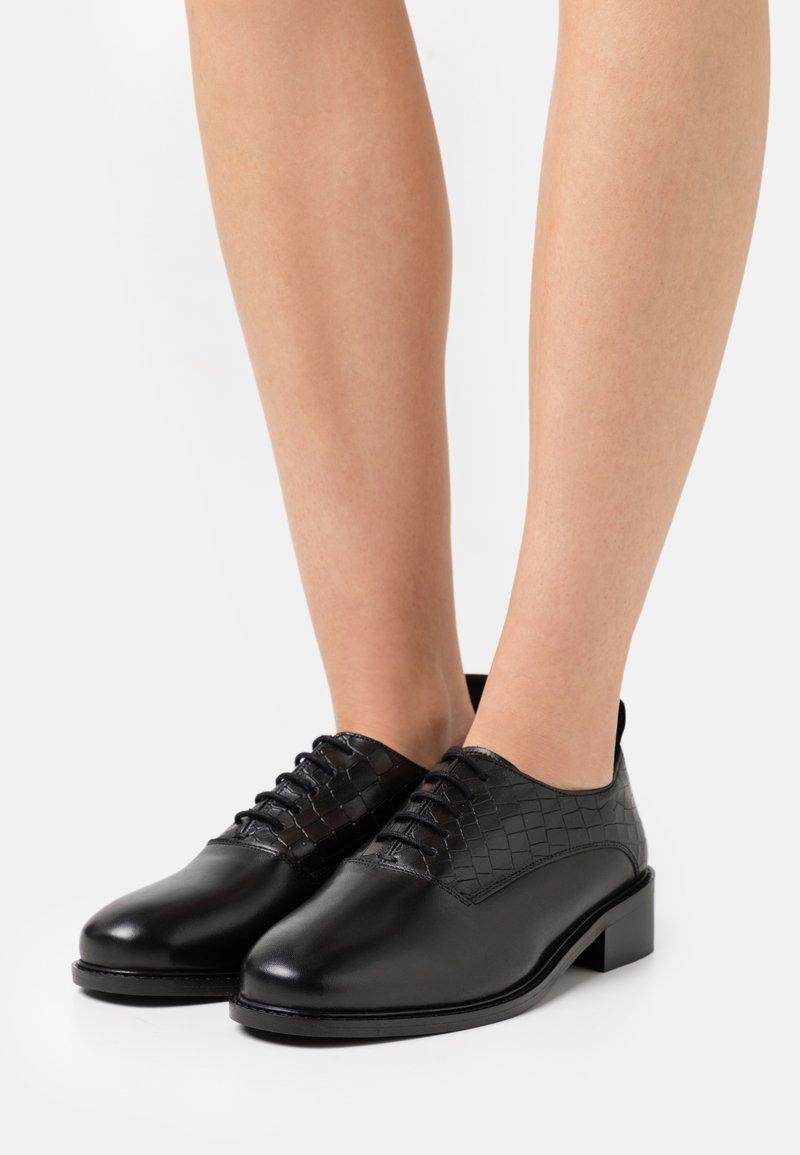 ZIGN Wide Fit - LATIGO WIDE FIT - Lace-ups - black
