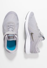 Nike Performance - REVOLUTION 4 FLYEASE - Neutral running shoes - atmosphere grey/metallic pewter - 0