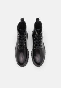 Selected Homme - SLHBRODY BOOT - Šněrovací kotníkové boty - black - 3