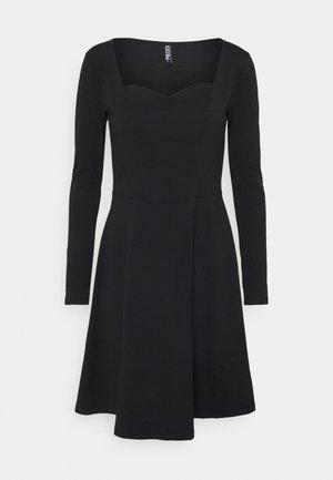 PCANG DRESS - Jersey dress - black