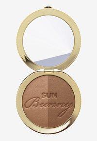 Too Faced - NATURAL BRONZER - Bronzer - sun bunny - 2
