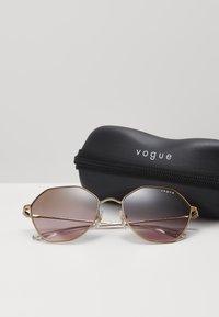 VOGUE Eyewear - Solbriller - rose gold-coloured - 1