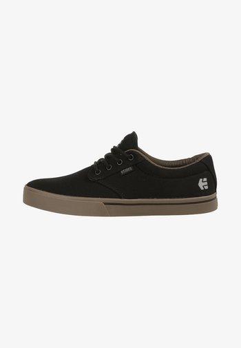 JAMESON  - Skateskor - black