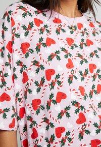 Monki - TOONIE UNIQUE - Noční košile - pink - 5