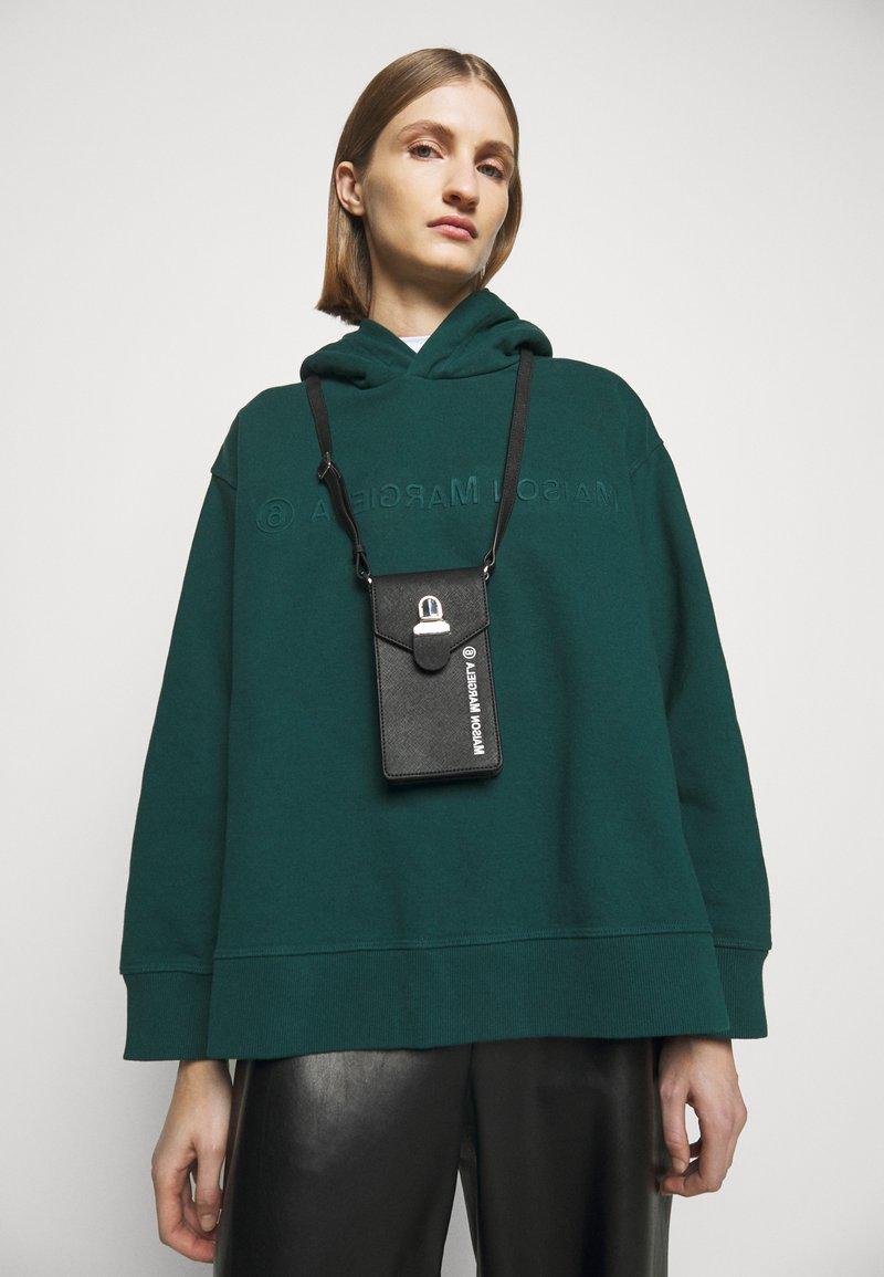 MM6 Maison Margiela - Across body bag - black