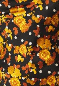 Glamorous Curve - MIDI DRESS WITH NARROW STRAPS AND SIDE SPLIT - Denní šaty - ochre rose - 8