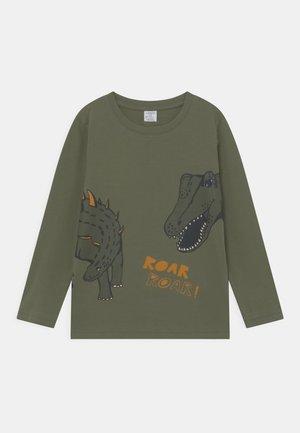MINI DINO PLACED PRINT - Langærmede T-shirts - khaki