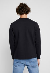 Calvin Klein Jeans - SMALL INSTIT BOX REGULAR - Felpa - black - 2