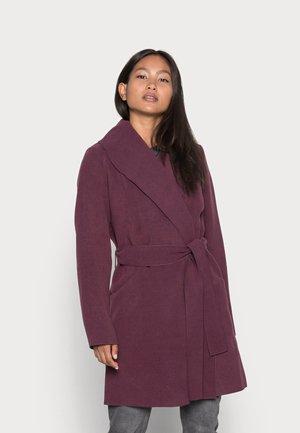 VIAPPLE NEW COAT - Classic coat - winetasting