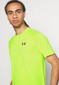 Under Armour - Basic T-shirt - green citrine - 3