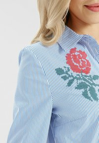 Apart - Robe chemise - weiß-blau - 3