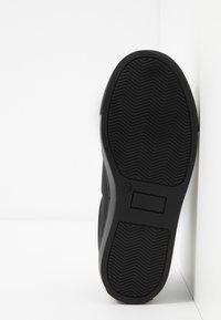 BOSS Kidswear - TURNSCHUHE - Slippers - schwarz - 5