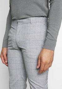 Limehaus - WINDOWPANE SUIT - Suit - grey - 10