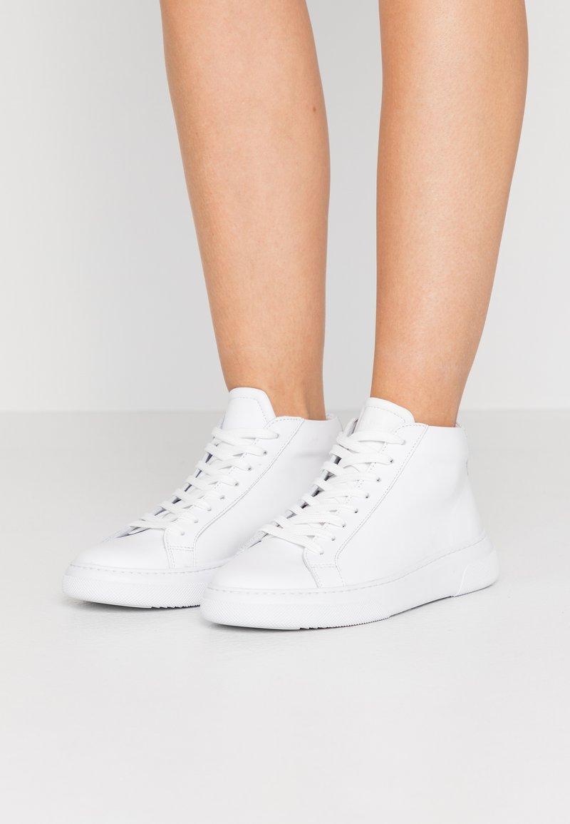 GARMENT PROJECT - EXCLUSIVE TYPE MID - Korkeavartiset tennarit - white