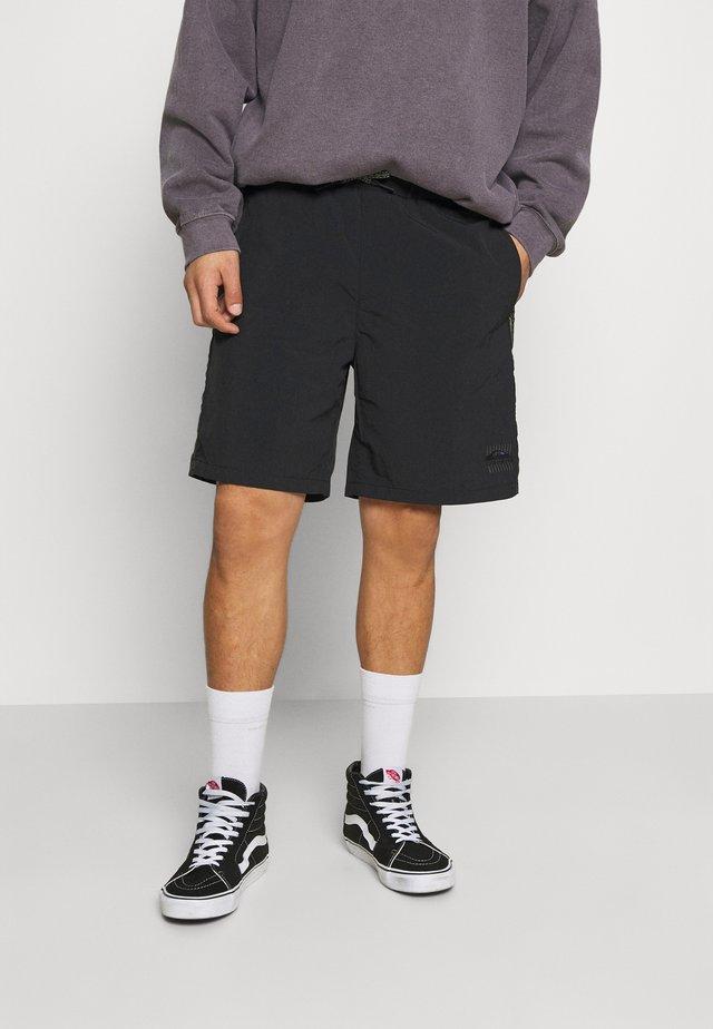 NATIVE WALKSHORT - Shorts - black