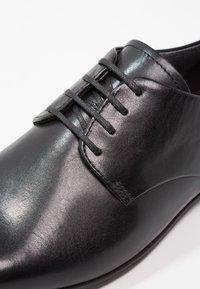 Vagabond - MARILYN - Lace-ups - black - 6